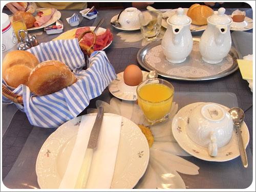 符茲堡民宿早餐-01.jpg