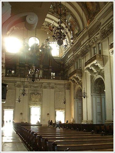 薩爾茲堡-教堂內部-02.jpg