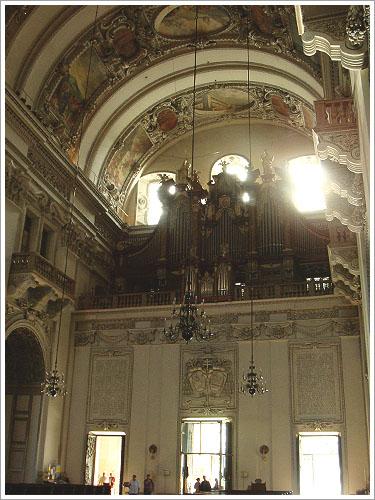 薩爾茲堡-教堂內部-01.jpg