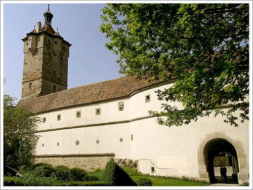 羅藤堡-舊城門.jpg