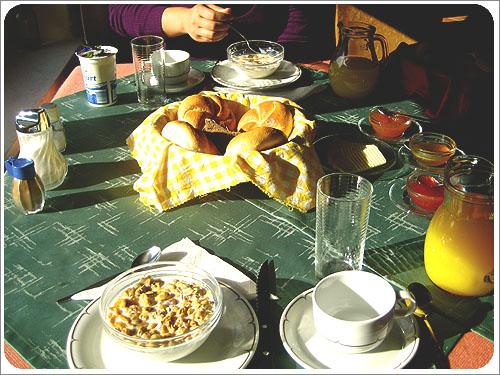 哈茲達特-早餐.jpg