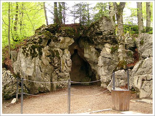 林德霍夫堡-人工洞穴-01.jpg