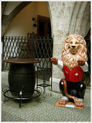 慕尼黑-市政廳餐廳-02.jpg