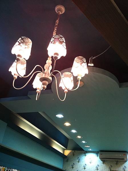 美麗的吊燈