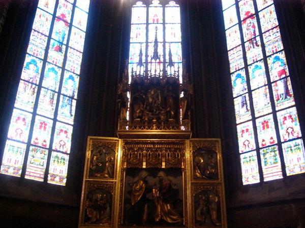 布拉格城堡內的彩繪玻璃