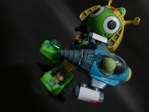 KEROBOT V-鑽頭槍.JPG