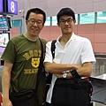 回台灣跟朱旭在桃機