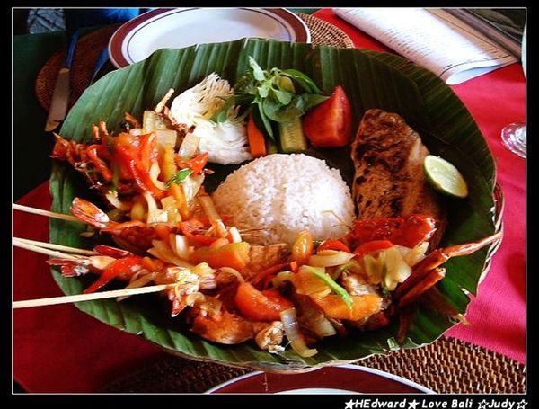 這是超讚的海鮮籃(seafood basket)