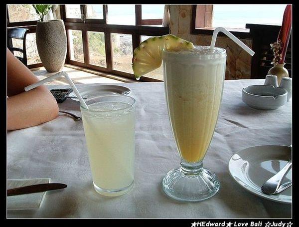 下午去bluepoint的下午茶點了檸檬水跟鳳凰汁