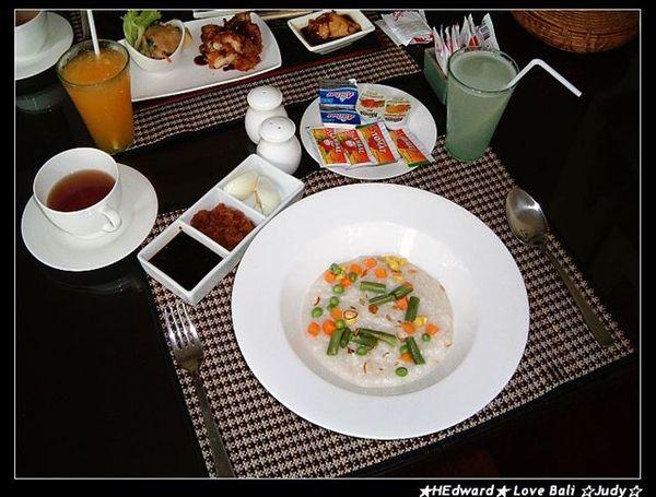 這是villa第一天的早餐~~我的印尼餐
