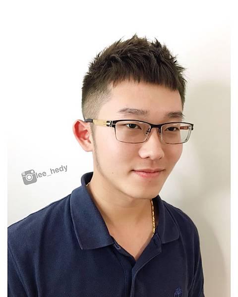 清爽 男生髮型+綠棕色