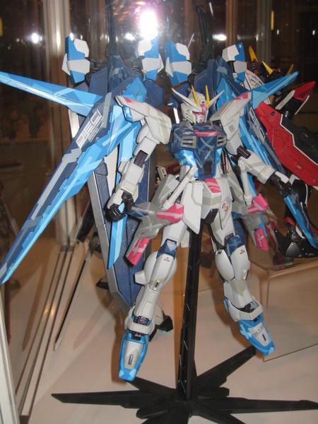 展覽品 攻擊自由融合了藍色異端的巨劍  強!!