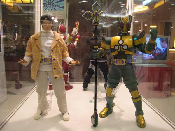 設計師展覽最強作!!!假面騎士劍四人組12吋超大人偶!