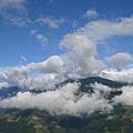 雲與山是如此的接近