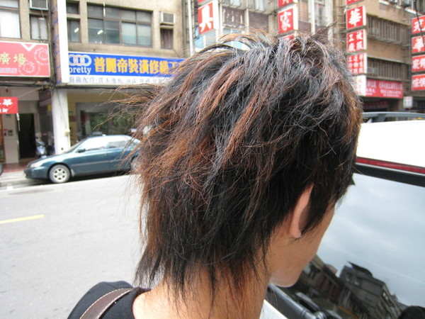 志民的背後照   頭髮讚