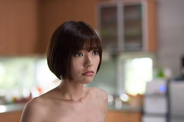 2013偶像劇《就是要你愛上我》劇照,裸體的雪芙www