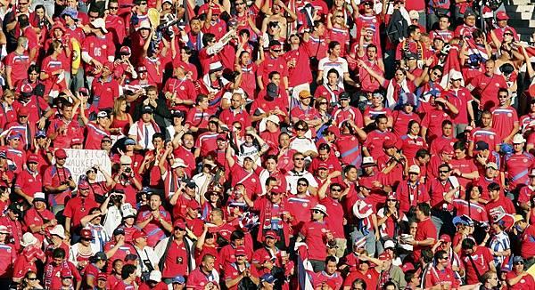 哥國的熱情球迷