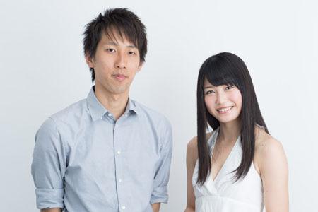 作家朝井遼與AKB48成員橫山由依