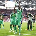 2018年世界盃小組賽第一輪波蘭1:2塞內加爾:塞內加爾成為2018年世界盃第一輪小組賽畢五支非洲參賽球隊中唯一能獲得勝利的「非洲之光」。