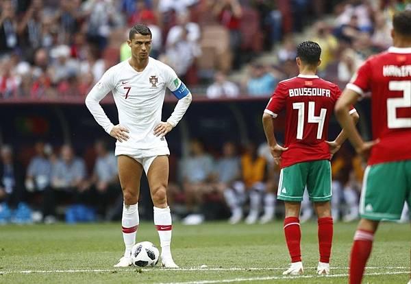 2018年世界盃小組賽第二輪葡萄牙1:0摩洛哥:C羅兩場比賽總共四腳射正便全數成為進球,分別是用12碼罰球、自由球、非慣用腳遠射、頭錘四種方式攻入。