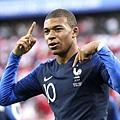 2018年世界盃小組賽第二輪法國1:0祕魯:成為國家隊最年輕進球者的姆巴佩,已經是法國隊內不可或缺、球迷不容忽視的少年球星。.jpg