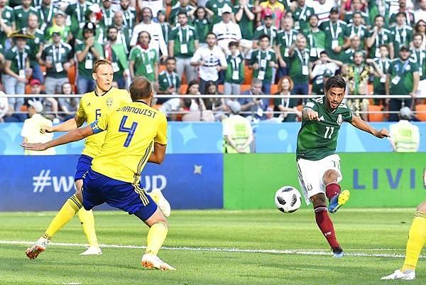 2018年世界盃小組賽第三輪墨西哥0:3瑞典:儘管墨西哥努力找縫隙射門,但前鋒把握性不佳,全場徹底卡彈。