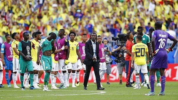 2018年世界盃小組賽第三輪塞內加爾0:1哥倫比亞:塞內加爾已經很接近了還是功虧一簣,讓本屆世界盃五隻非洲參賽球隊全數無法晉級16強,也是非洲足球的一大打擊。