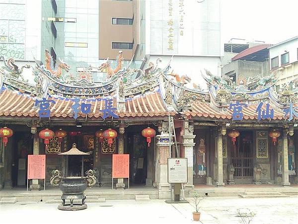 新竹三大廟之一的長和宮.jpg