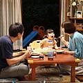 昭和風情的三代同堂家庭相處畫面.jpg