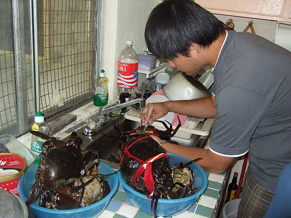 幫忙清理螃蟹