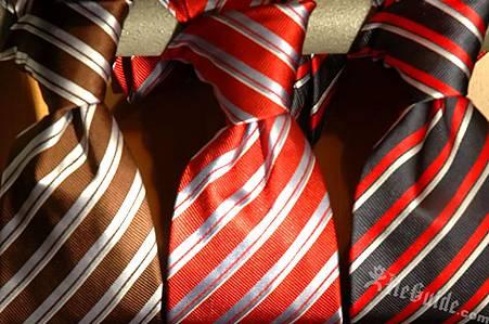 斜條紋領帶打造你的專業感