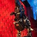 Louis_Vuitton_Sydney_Maison_Store_Windows_01.jpeg