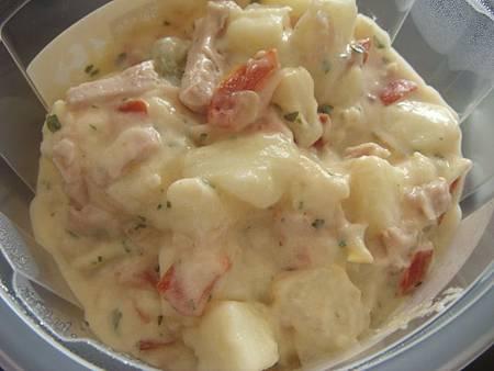青醬通心粉沙拉佐乳酪莎莎醬&馬鈴薯沙拉