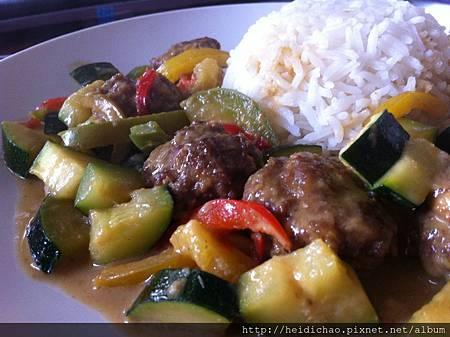 泰式牛肉丸綠咖哩 (2)