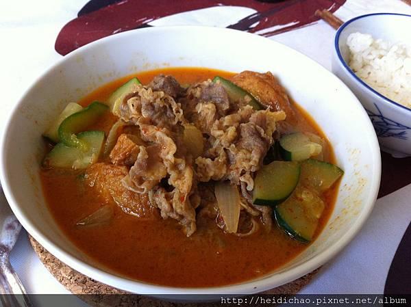 泰式牛肉紅咖哩