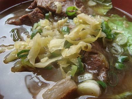 龍華閣川味牛肉麵