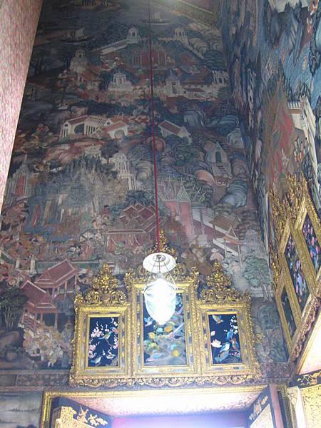 058牆上壁畫.JPG