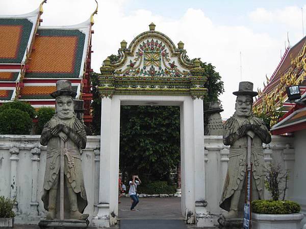 046來到臥佛寺Wat Po.JPG
