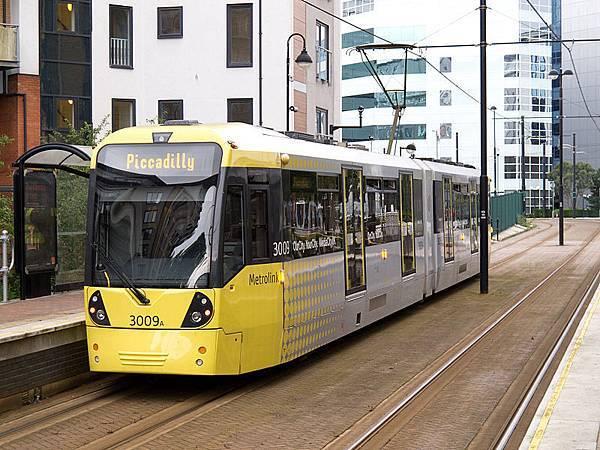 800px-Greater_Manchester_Metrolink_-_tram_3009A