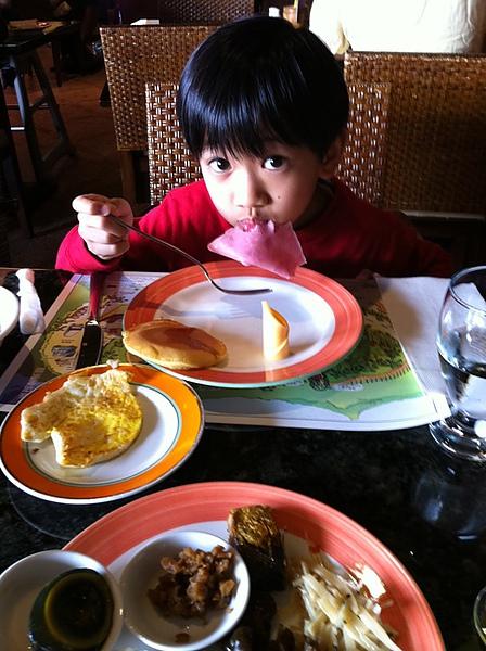 03吃早餐囉.jpg