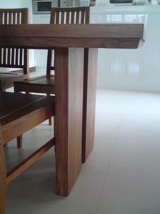 01詩肯餐桌1.JPG