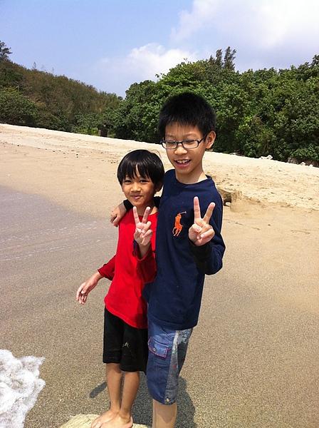 09海灘玩沙2.jpg