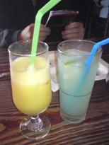 10右邊的藍苷檸檬汁好喝.JPG