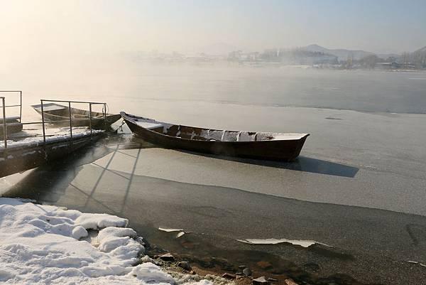 中國 吉林 松花江 結冰的江面