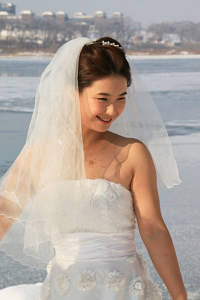 中國 吉林 松花江畔 零下20度拍婚紗