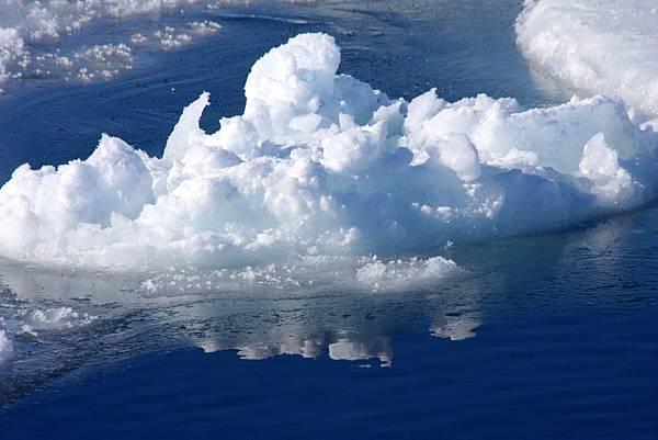 南極破浮冰