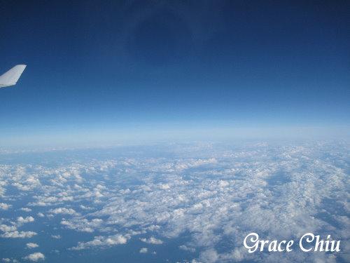 在藍天白雲之上
