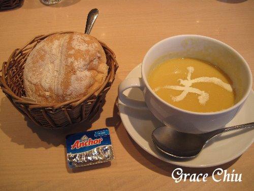 濃湯&超好吃的麵包