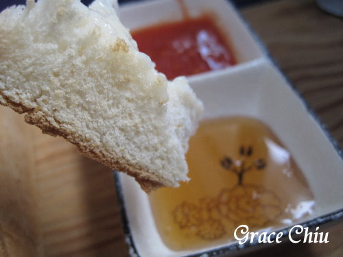 吐司磚濃湯附二種沾醬
