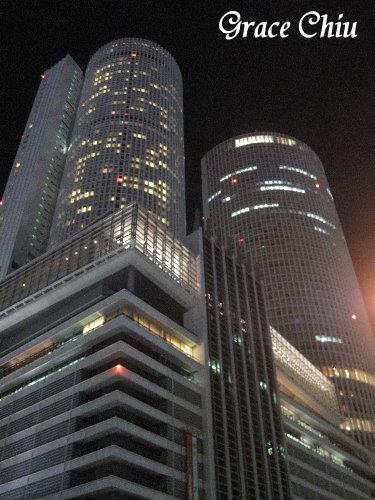 夜晚的名古屋駅雙塔